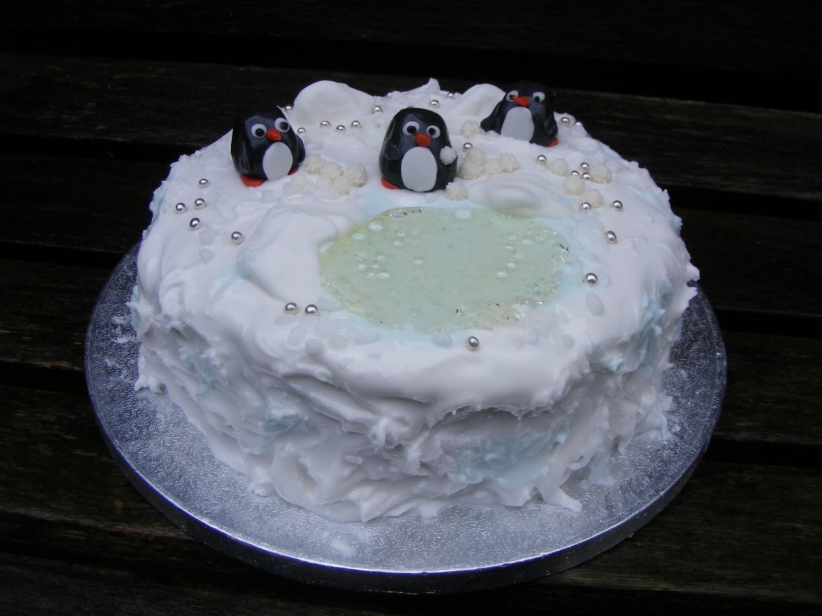 How To Put Fondant Icing On Christmas Cake