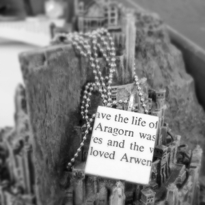 Aragorn_loved_arwen_LOTR_B&W_scrabble_pendant_necklace_amaranth_alchemy_2015