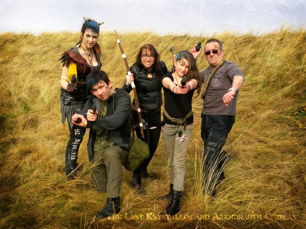 dystopian, post apocalyptic, photoshoot, family photo, family portrait, the last krystallos, arkhdrauth cosplay,