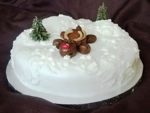 Rudolph-on-ice-christmas-cake-2015-the-last-krystallos