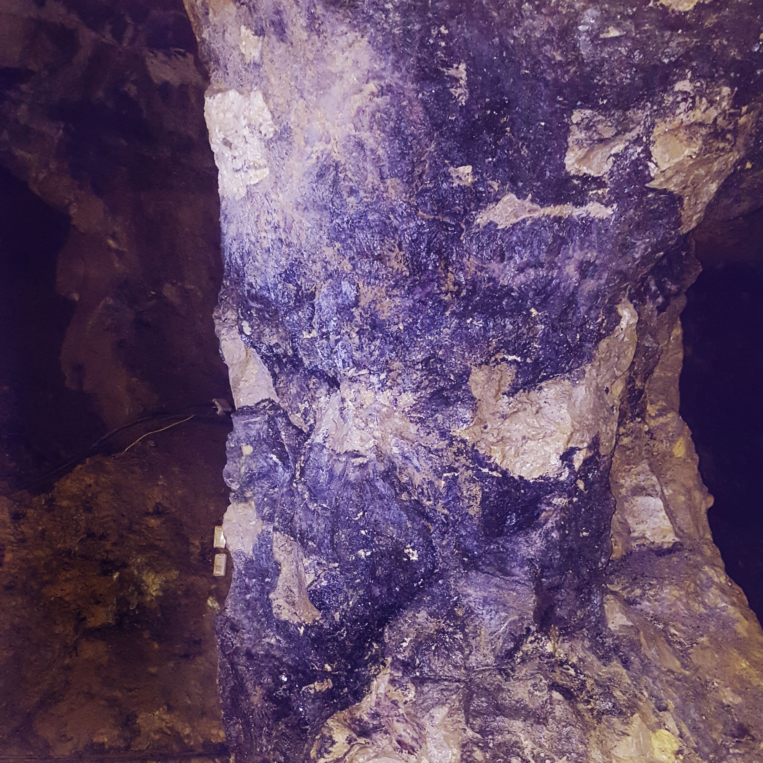 Treak Cliff Cavern - Castleton - Blue John Pillar - The Last Krystallos